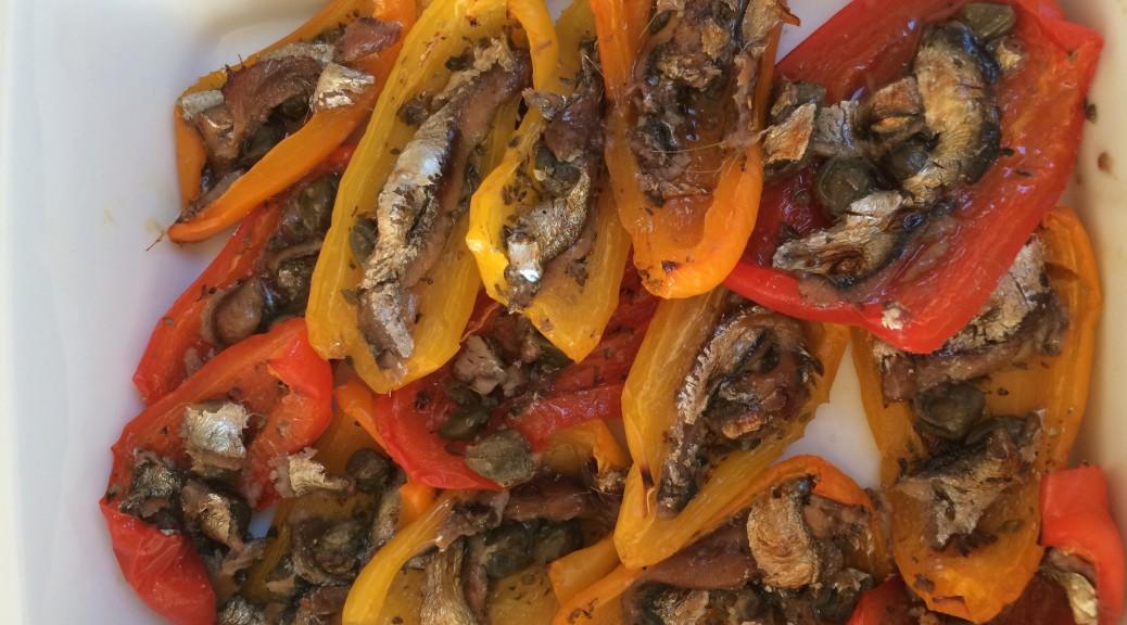 bagte peberfrugter med kapers og ansjoser